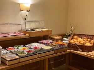 Hotel-Lobmeyer-Roding Fruehstuecksbuffet-1