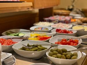 Hotel-Lobmeyer-Roding Fruehstuecksbuffet-2