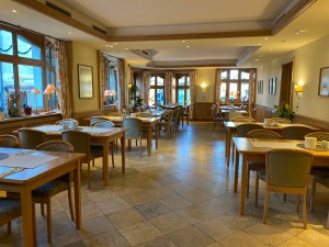 Hotel-Lobmeyer-Roding Fruehstueckssaal-1