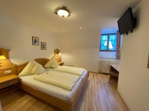 Hotel-Lobmeyer-Roding Zimmer-2